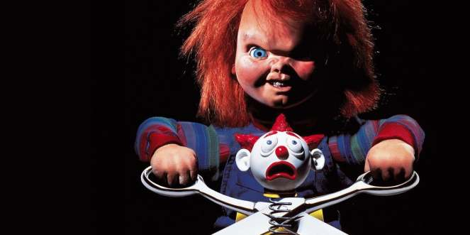 Chucky-Childs-Play-horror-movie-scissors